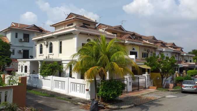 WhatsApp Image 2020-02-24 at 12.46.4END LOT 2.5 Storey Superlink House 01251568744 PM (1)
