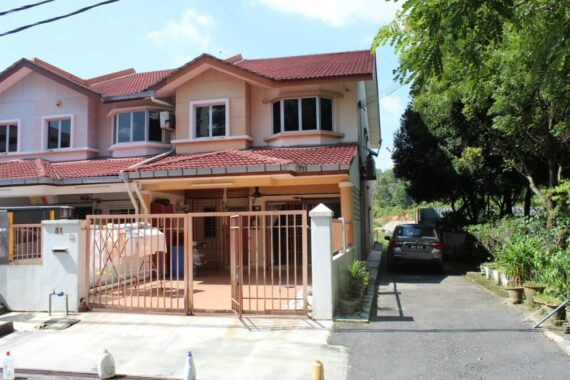 end lot 2 storey, taman sri putra mas, sungai buloh 0125156874 zuraini (4)